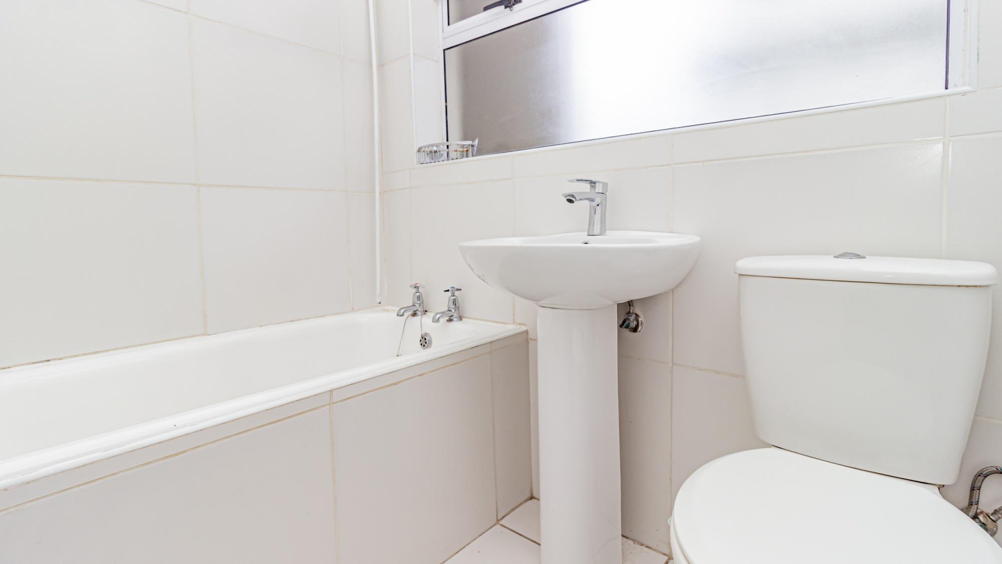 Image-013-bathroom